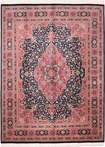 the Cyrus Artisan Pakistani Sarouk rug